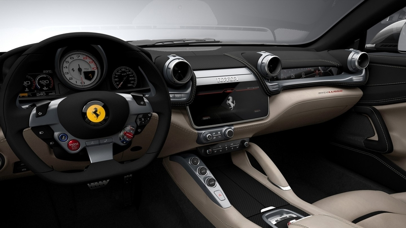 Ferrari GTC4Lusso - interiér