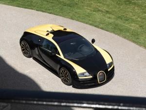 Bugatti-Veyron_Grand_Sport_Vitesse_1of1_2014_1024x768_wallpaper_02