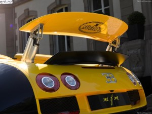 Bugatti-Veyron_Grand_Sport_Vitesse_1of1_2014_1024x768_wallpaper_0b